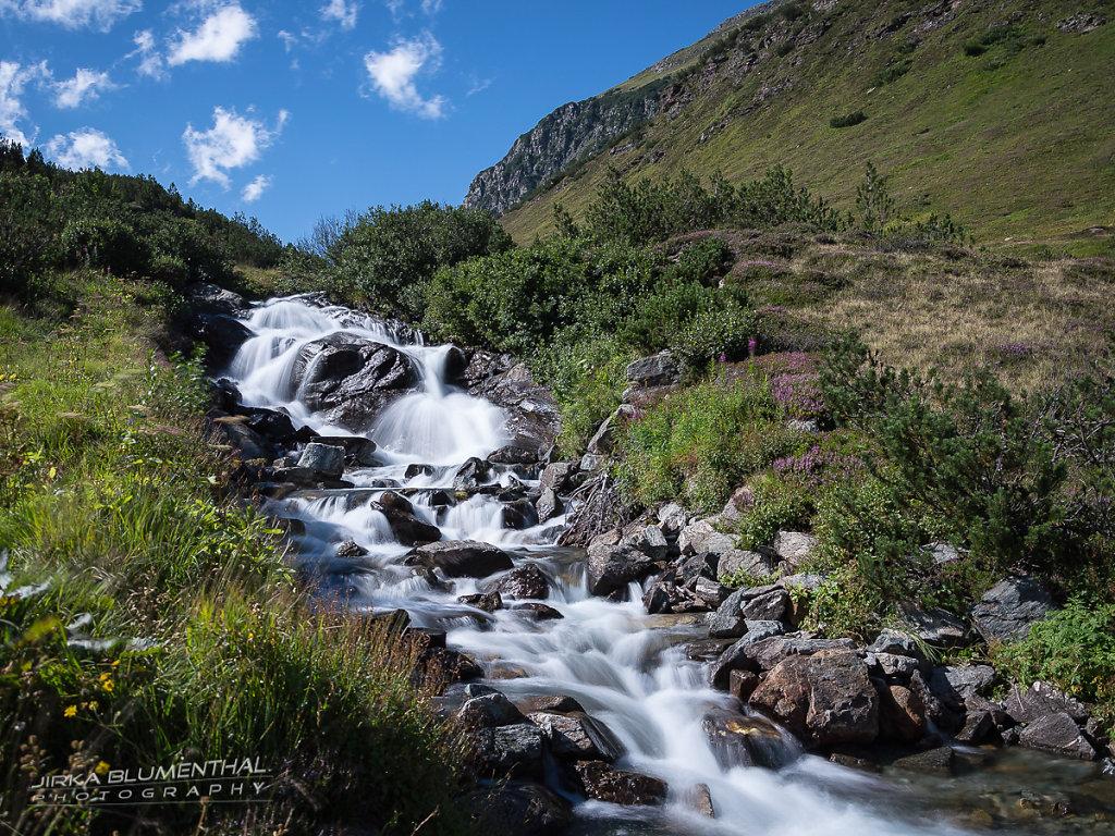 Zeinisbach Wasserfall am Kops-Stausee / Österreich
