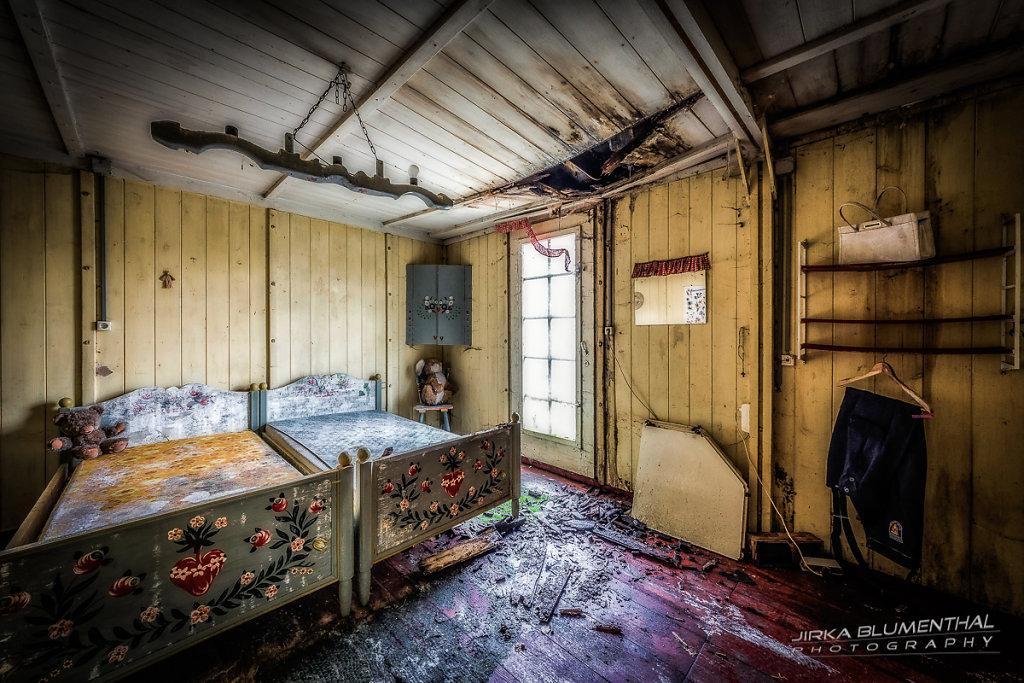 Das einsame Waldhaus #22