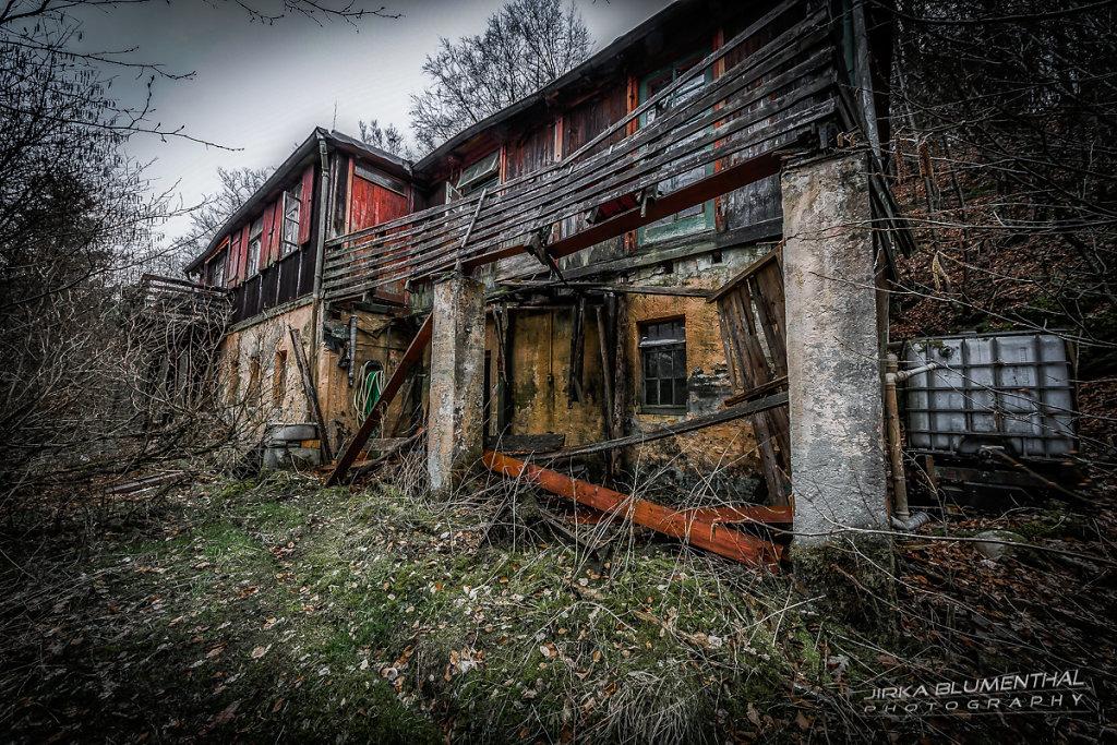 Das einsame Waldhaus #26