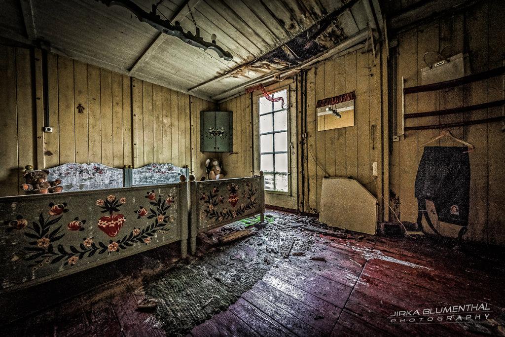 Das einsame Waldhaus #27