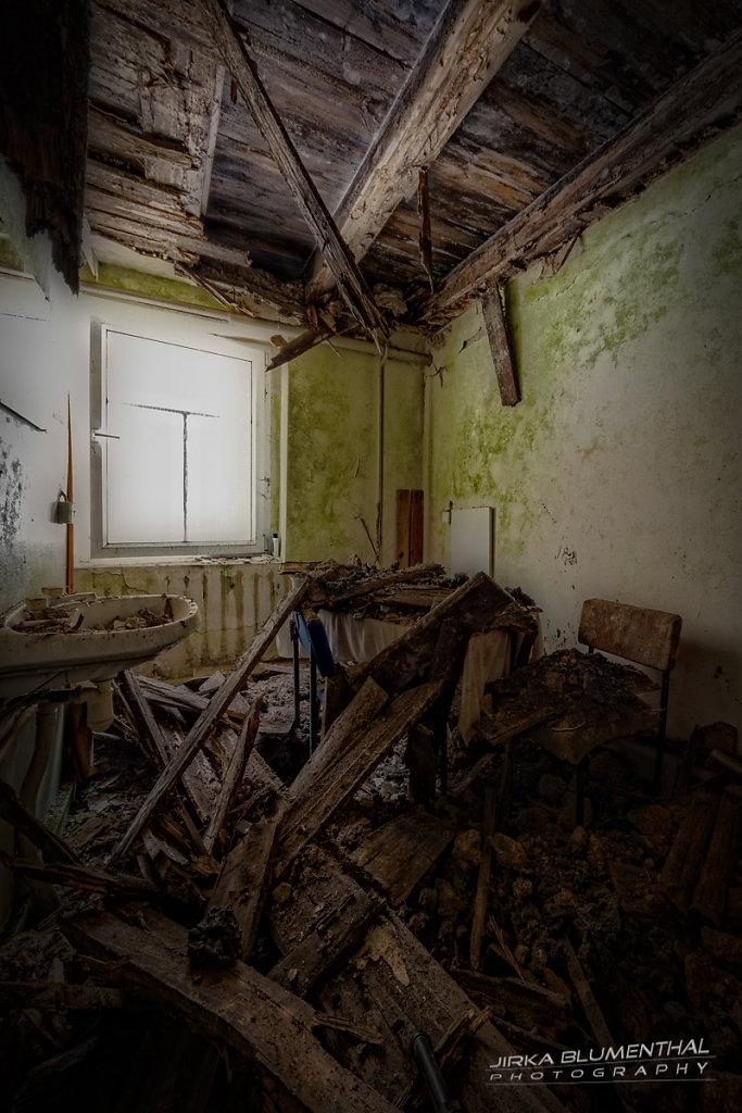 Im durchlöcherten Gasthaus #16