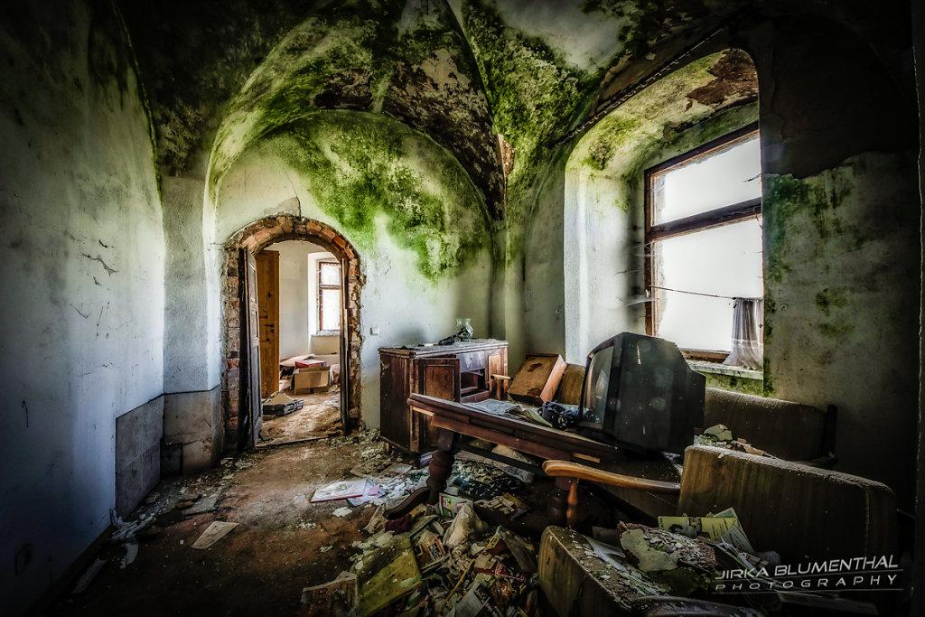 House of bones #4